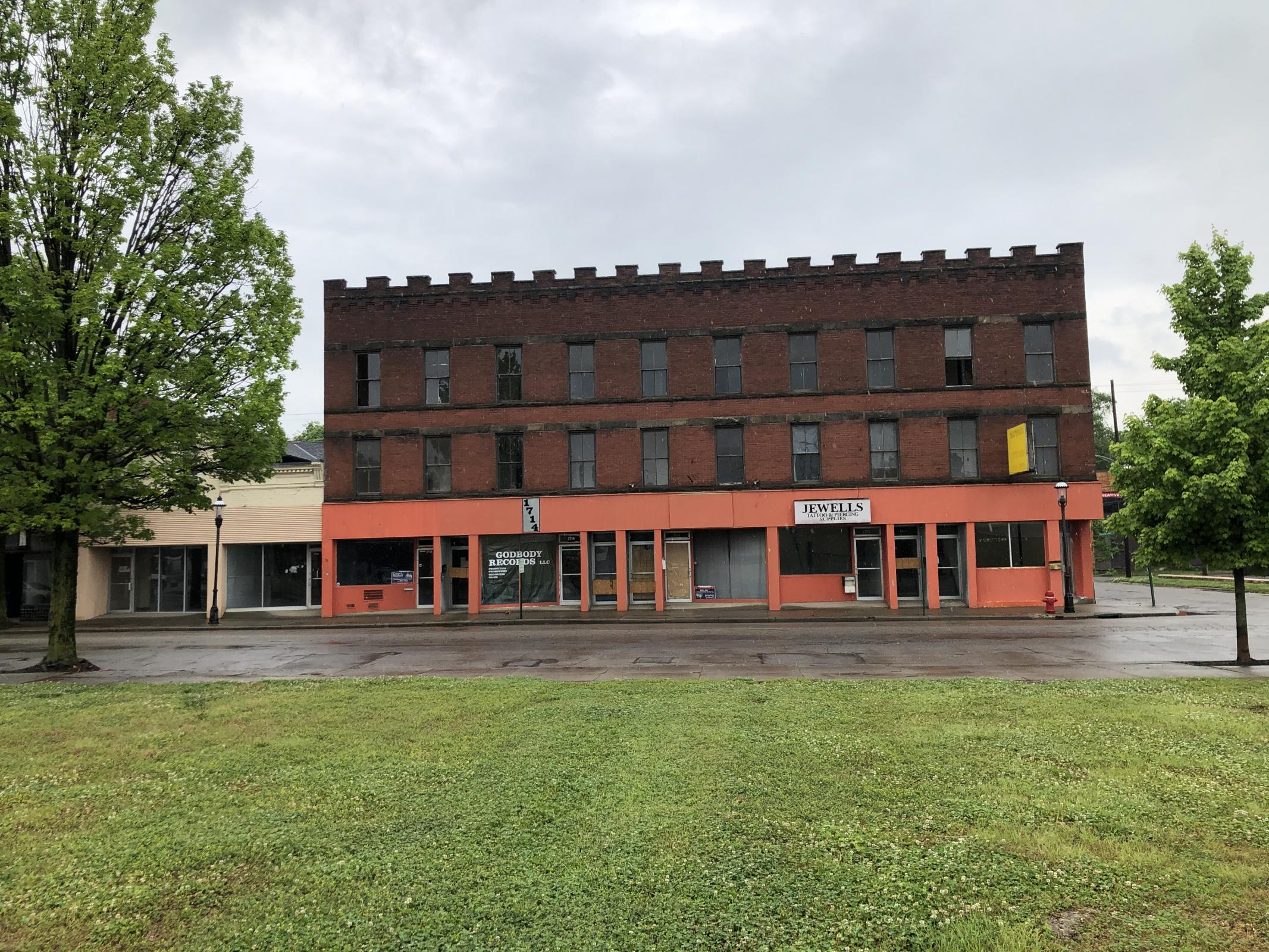 Main Photo For 1700 Central Ave