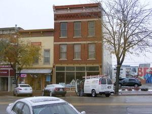 Main Photo For Free-Standing Building, Restaurant, Street Retail, Tavern/Bar/Nightclub