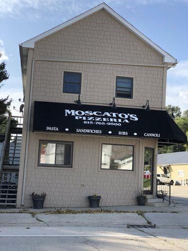 Main Photo For Moscato's Pizzeria