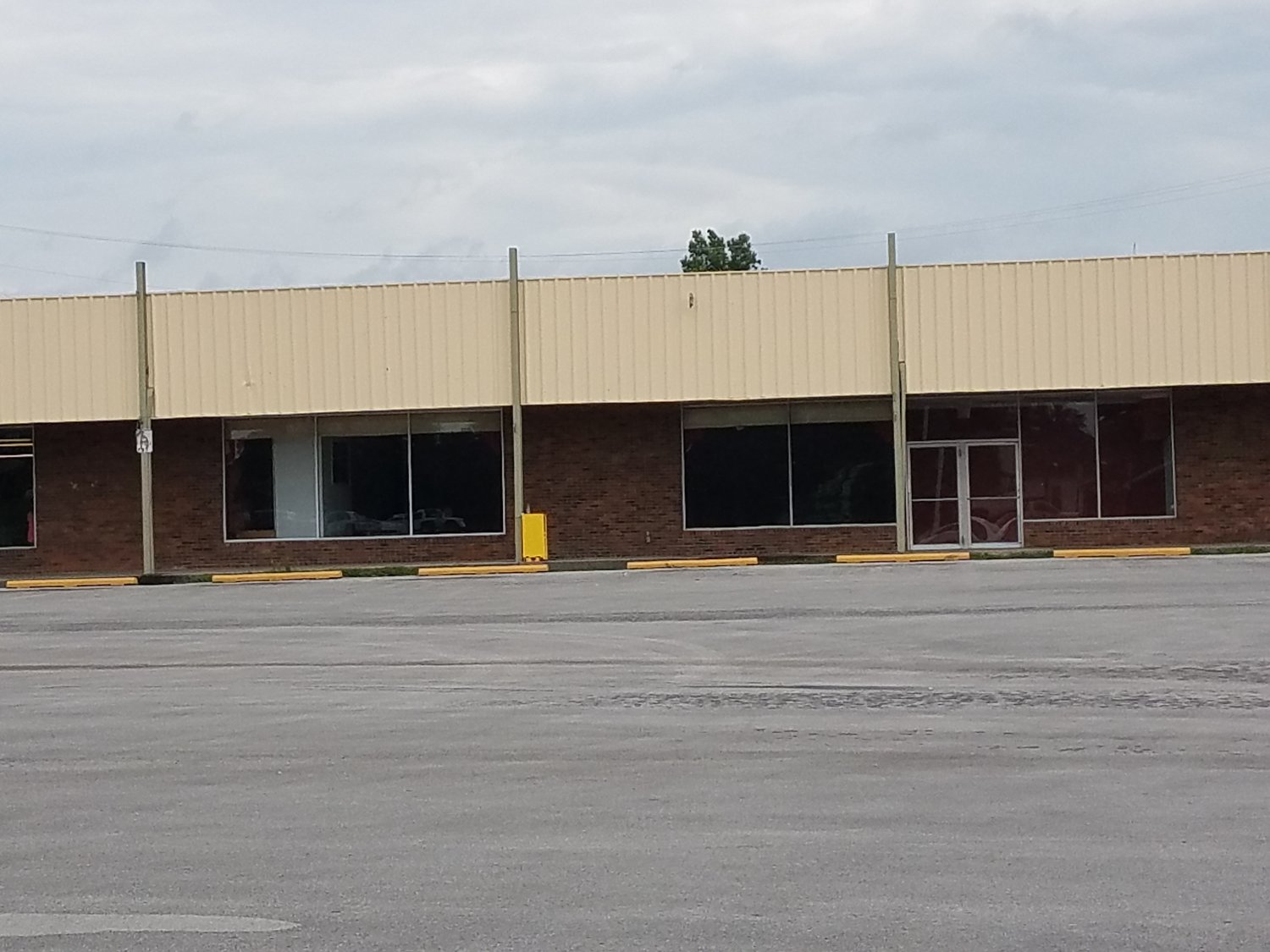 Main Photo For Commercial Storefront for Lease in Beaver Dam