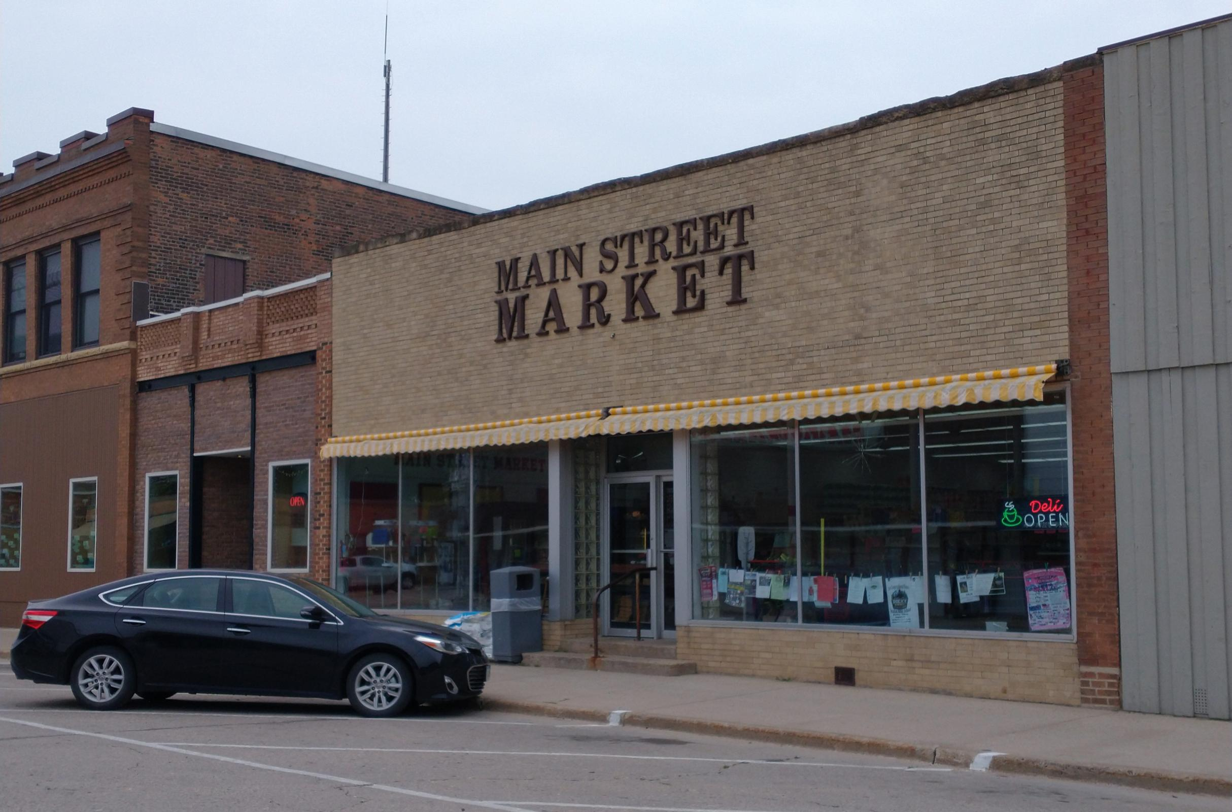 Local hardware store owners buy grocery store to allow community close access to food Main Photo