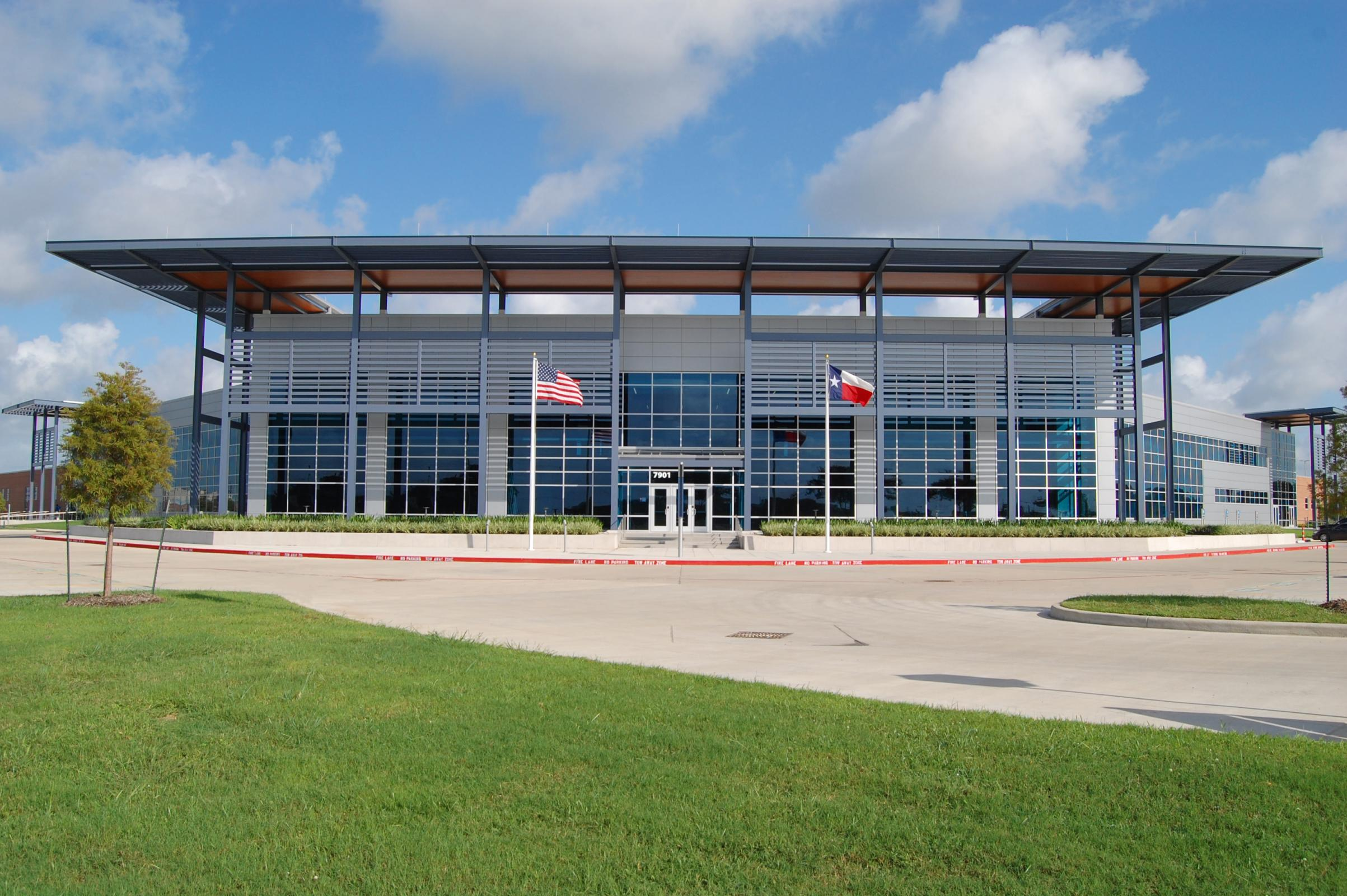 SAN JACINTO COLLEGE OPENS LYONDELLBASELL CENTER FOR PETROCHEMICAL, ENERGY, & TECHNOLOGY Image
