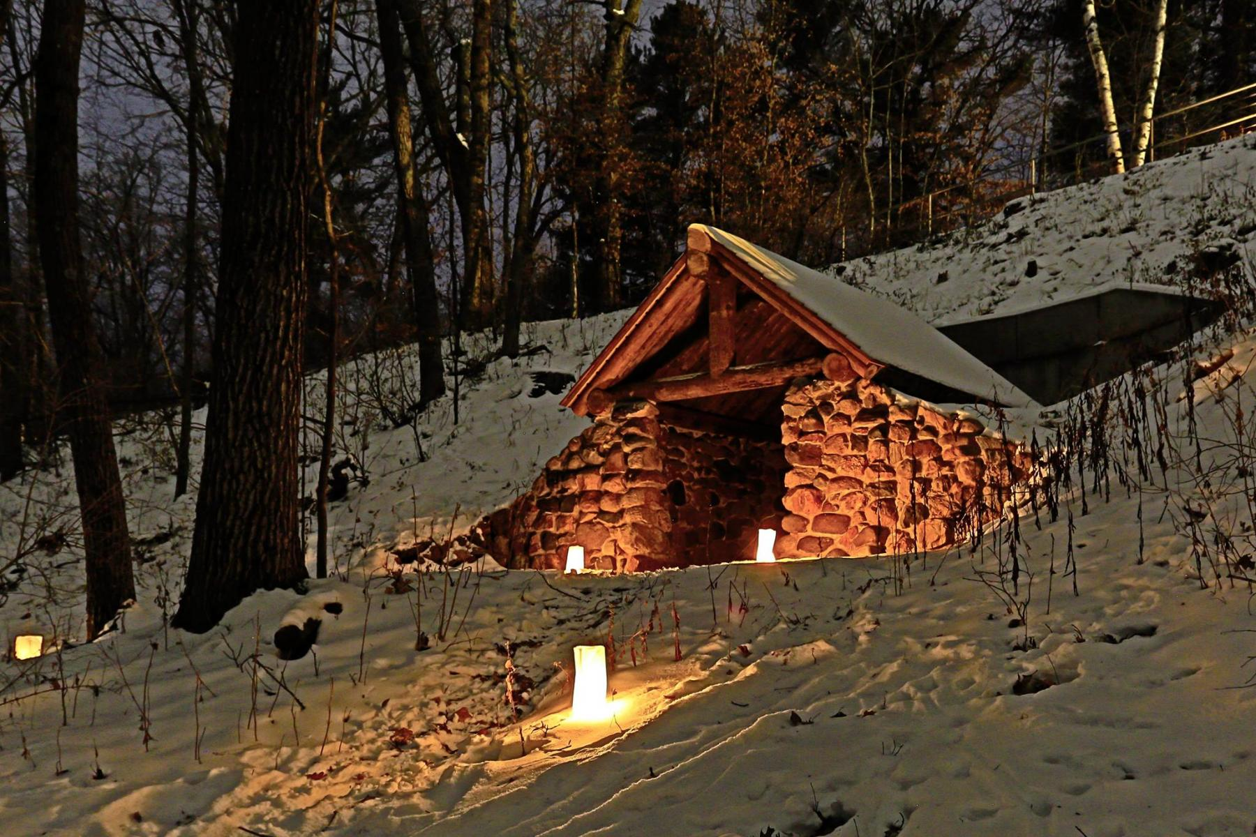 Event Promo Photo For Candlelight Snow Shoe & Hike