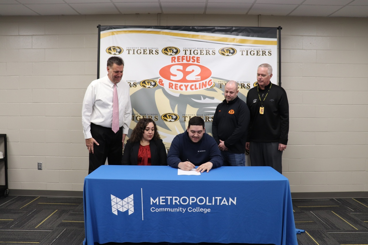 Fremont Public Schools & Metropolitan Community College Students Sign with Employers Main Photo