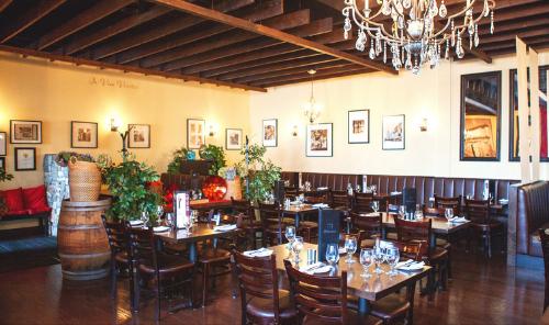 Rich Culture. Tasty Restaurants. So Much To Do in the Edmonton Metropolitan Region! Main Photo