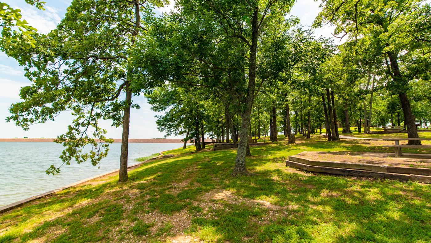 shady banks of riverside park